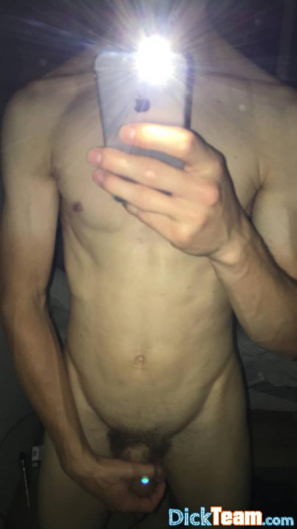 Homme - Bi - 21 ans : Hyper ouvert, venez mec et meuf