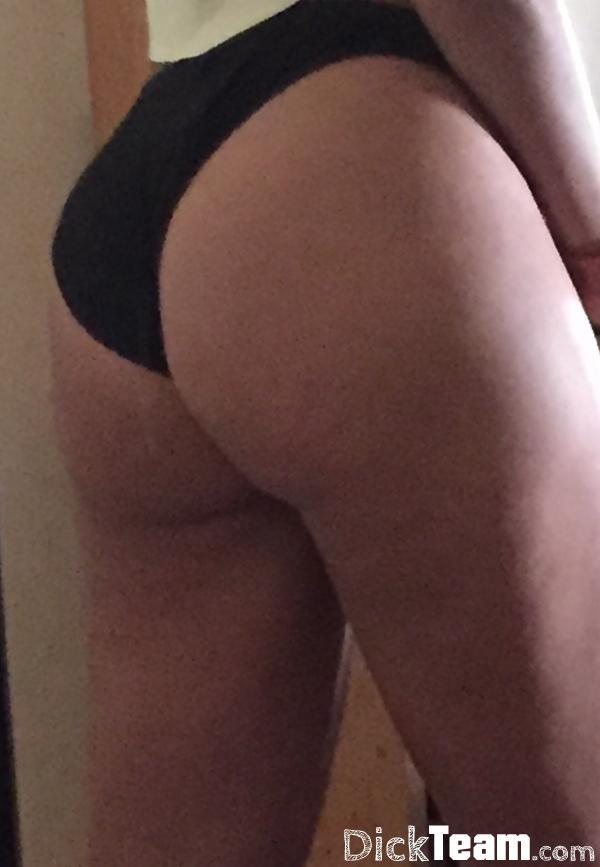 Femme - Hétéro - 19 ans : juste pour nudes : cherche une f...