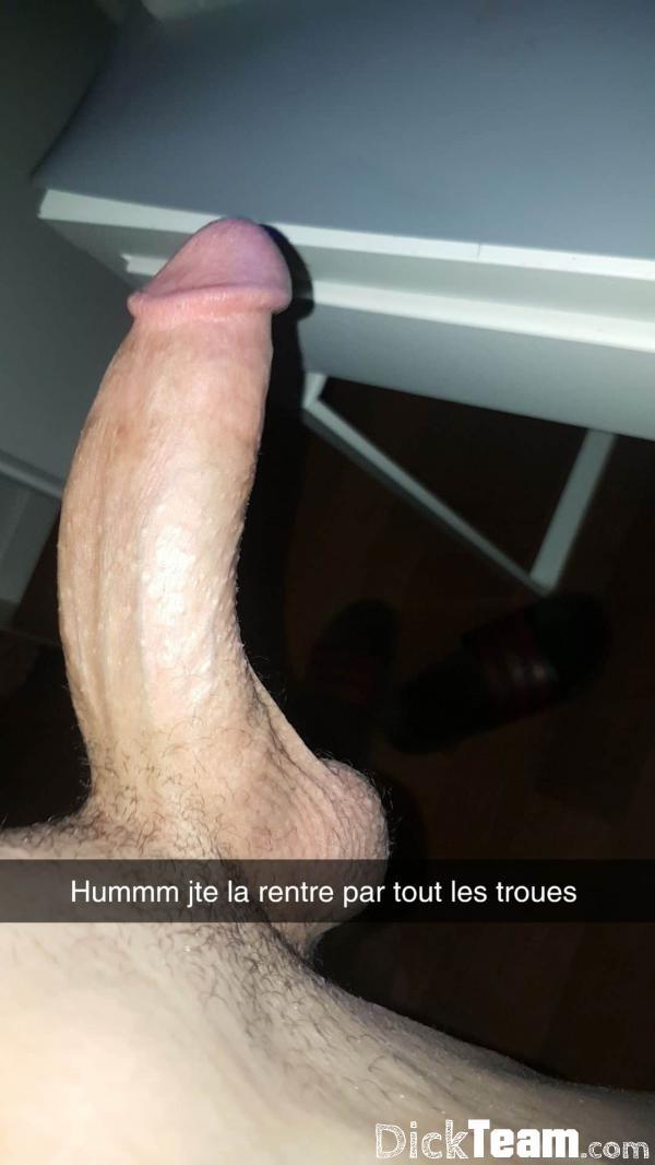 Homme - Hétéro - 28 ans : Cherche filles pour nude : Bonjo...