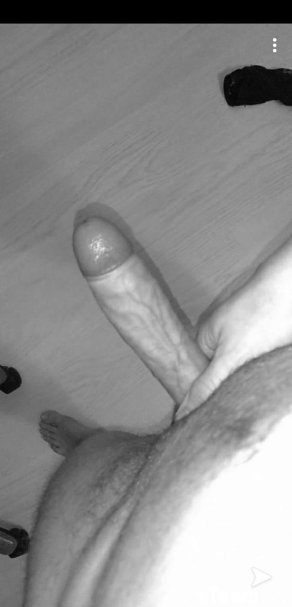 Homme - Hétéro - 34 ans : Nude avec moi pendant le confine...