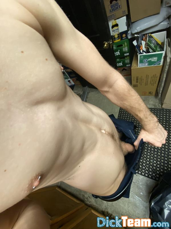 Homme - Bi - 20 ans : Cam scene with exchange of nude ...