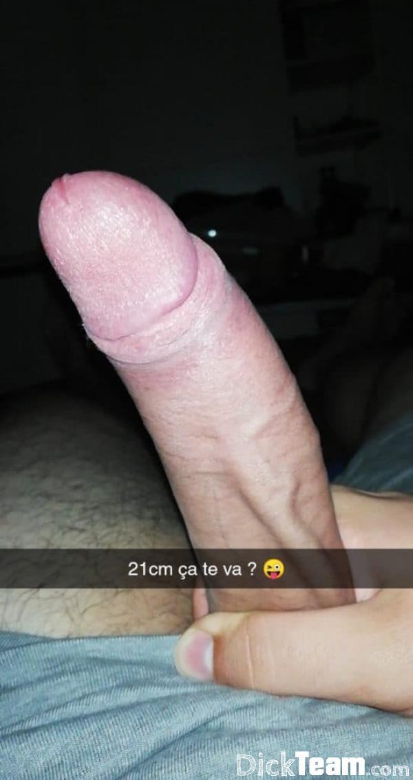 Homme - Hétéro - 29 ans : Ma grosse queue de 18 ans : J'ad...