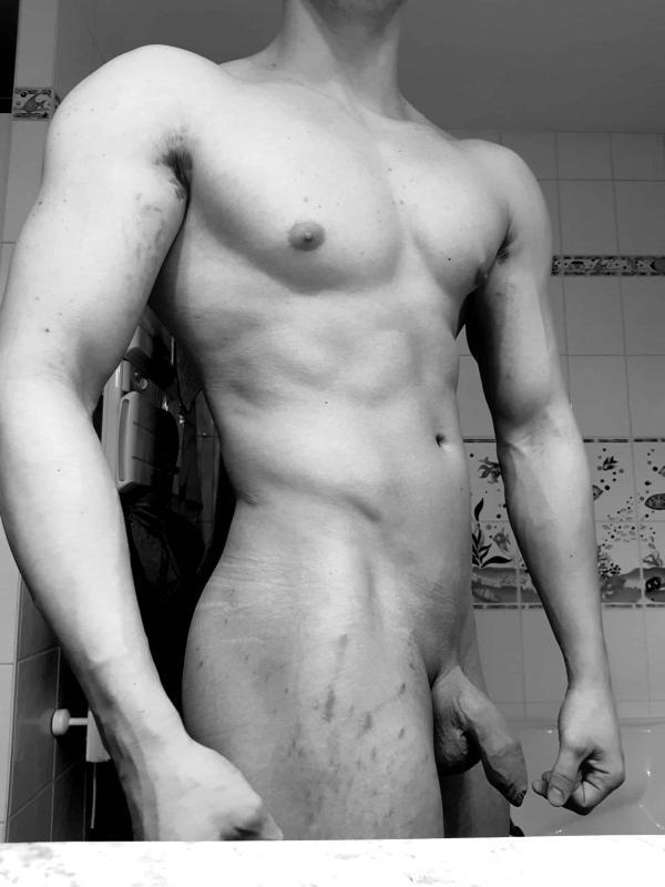 Homme - Bi - 22 ans : Snap sex hot pour du fun a plusi...